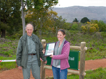 Ruedi Siegenthaler of SANParks Table Mountain Honorary Rangers and Restoration Team member Louise Nurrish